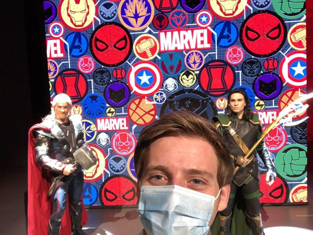Selfie Spot Marvel heroes Thor and Loki