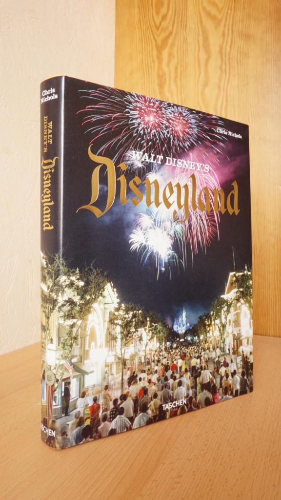 Foto des Buches Walt Disney's Disneyland von Chris Nichols (TASCHEN)